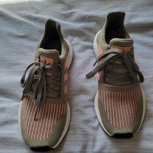 Adidas swift run trainers in khaki